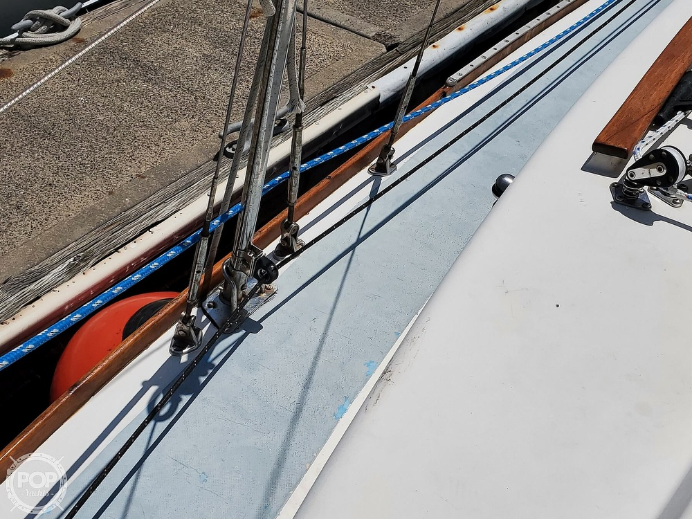 1975 Cape Dory boat for sale, model of the boat is 25 & Image # 37 of 40