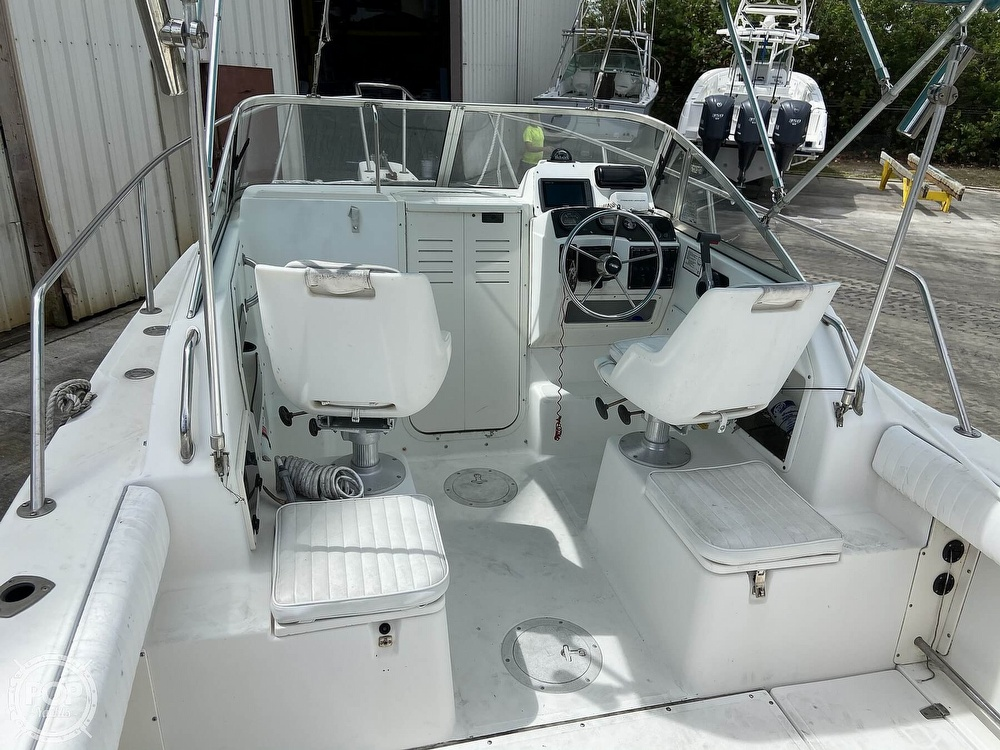 1998 Boston Whaler boat for sale, model of the boat is Conquest 21 & Image # 2 of 40