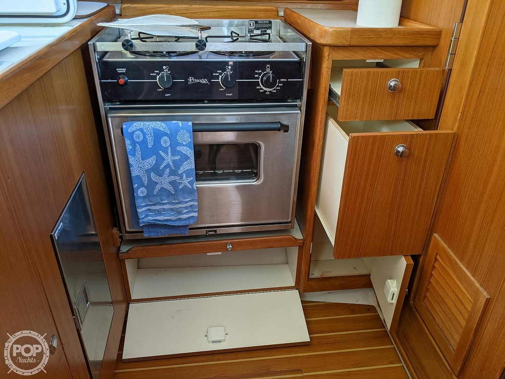 2011 Catalina Yachts boat for sale, model of the boat is 355 & Image # 13 of 40