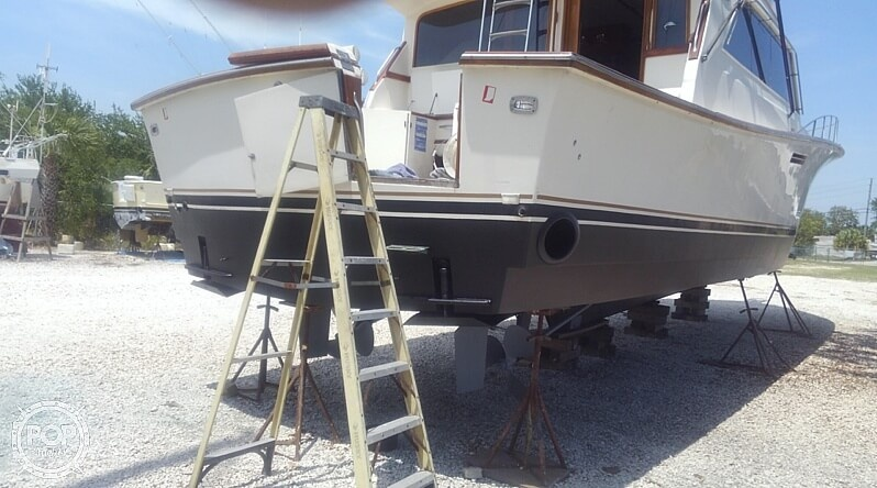 1986 Ocean Yachts boat for sale, model of the boat is Super Sport 55 & Image # 32 of 40