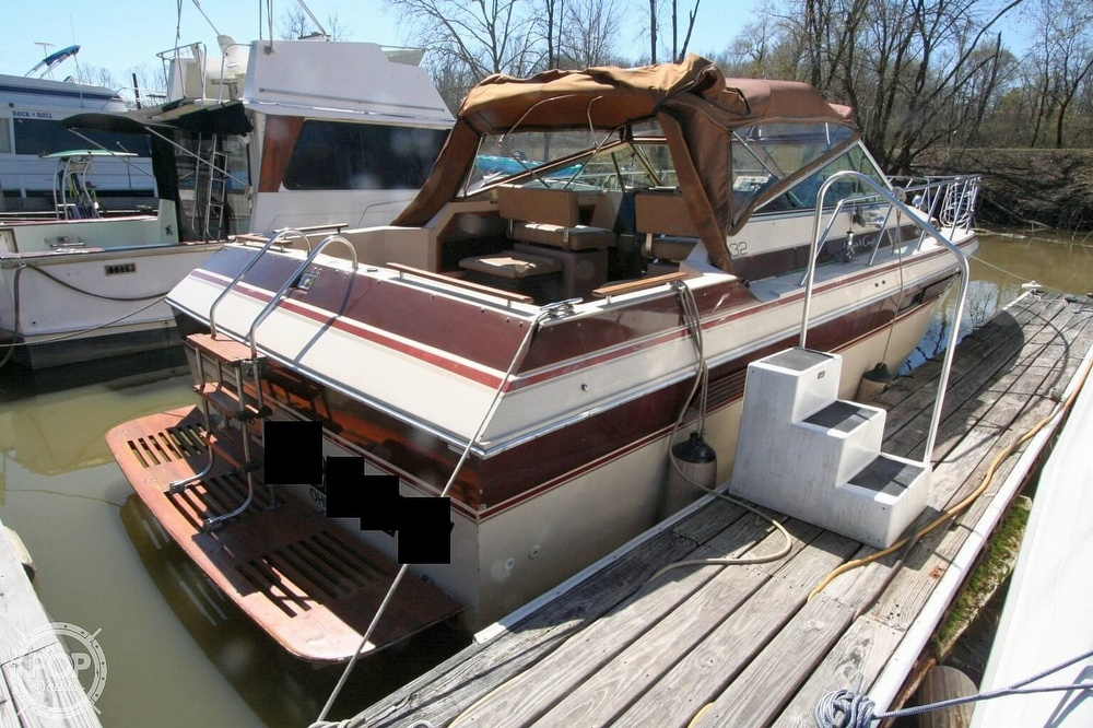 1980 Chris Craft boat for sale, model of the boat is 332 Express & Image # 2 of 40