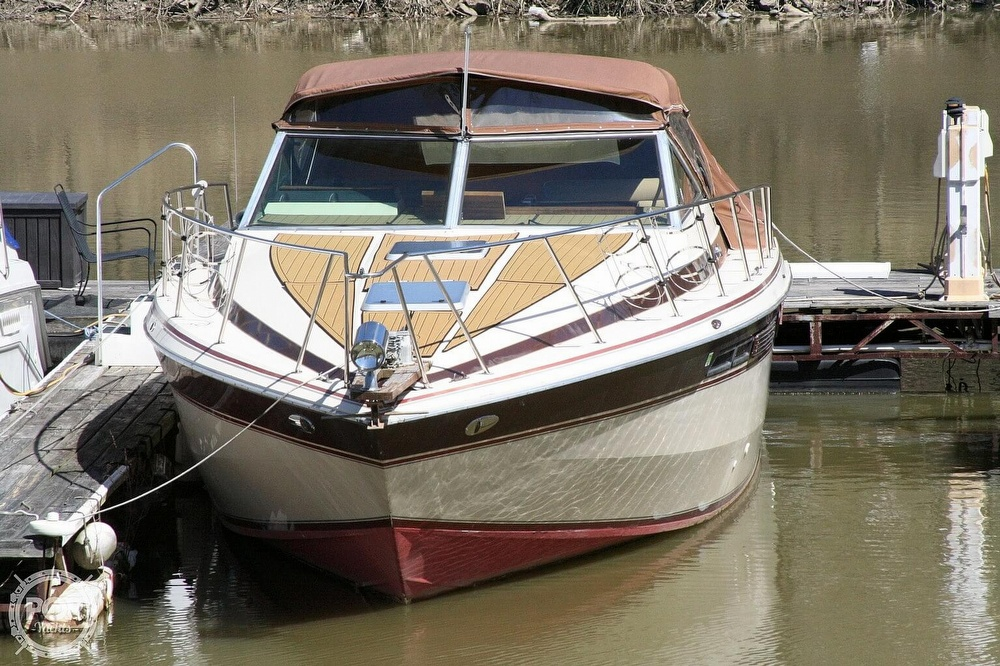 1980 Chris Craft boat for sale, model of the boat is 332 Express & Image # 15 of 40