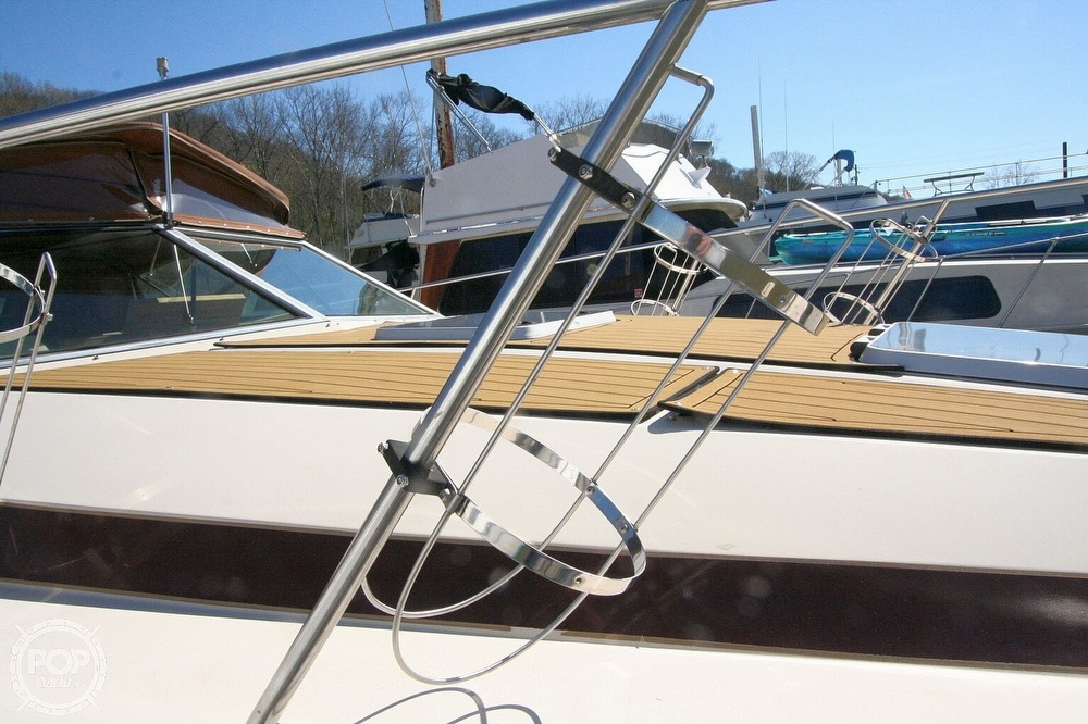 1980 Chris Craft boat for sale, model of the boat is 332 Express & Image # 17 of 40