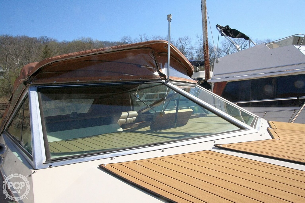 1980 Chris Craft boat for sale, model of the boat is 332 Express & Image # 18 of 40