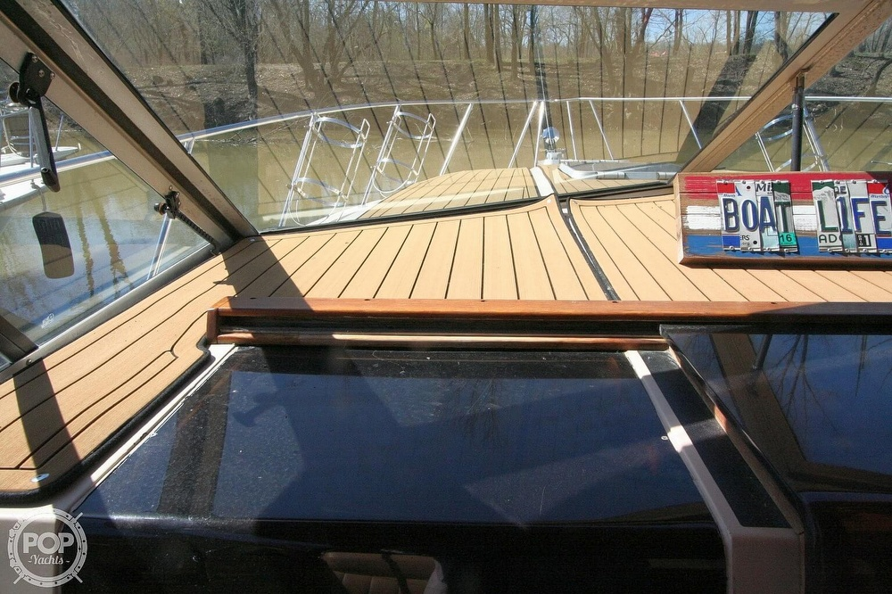 1980 Chris Craft boat for sale, model of the boat is 332 Express & Image # 27 of 40