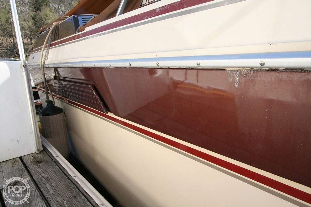 1980 Chris Craft boat for sale, model of the boat is 332 Express & Image # 36 of 40