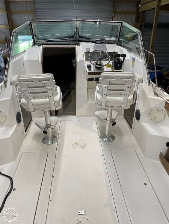 1984 Tiara Yachts boat for sale, model of the boat is 2600 & Image # 4 of 40
