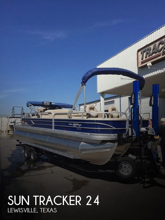 2016 Sun Tracker boat for sale, model of the boat is Fishin' Barge 24 XP3 & Image # 1 of 40