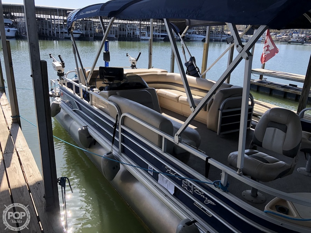 2016 Sun Tracker boat for sale, model of the boat is Fishin' Barge 24 XP3 & Image # 6 of 40