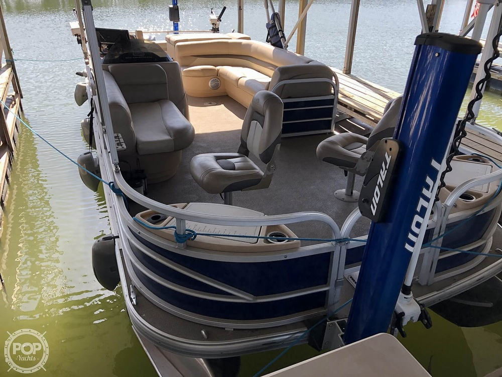 2016 Sun Tracker boat for sale, model of the boat is Fishin' Barge 24 XP3 & Image # 3 of 40