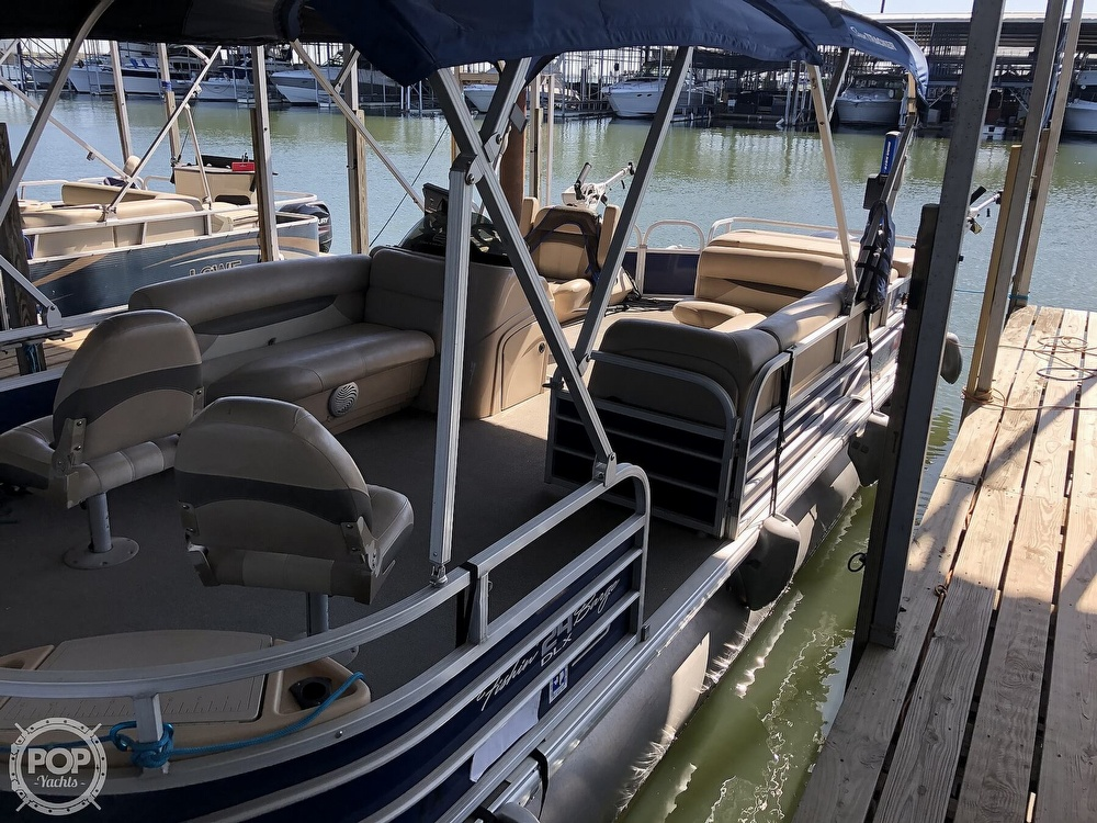 2016 Sun Tracker boat for sale, model of the boat is Fishin' Barge 24 XP3 & Image # 12 of 40