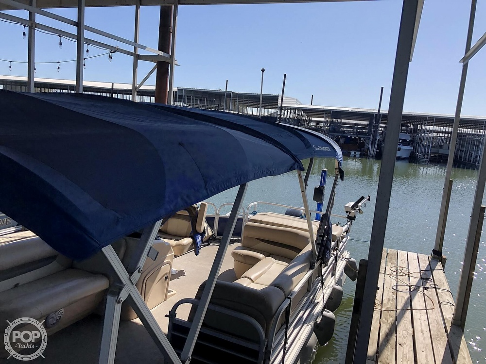 2016 Sun Tracker boat for sale, model of the boat is Fishin' Barge 24 XP3 & Image # 13 of 40