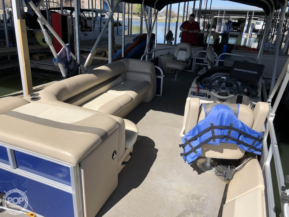 2016 Sun Tracker boat for sale, model of the boat is Fishin' Barge 24 XP3 & Image # 30 of 40