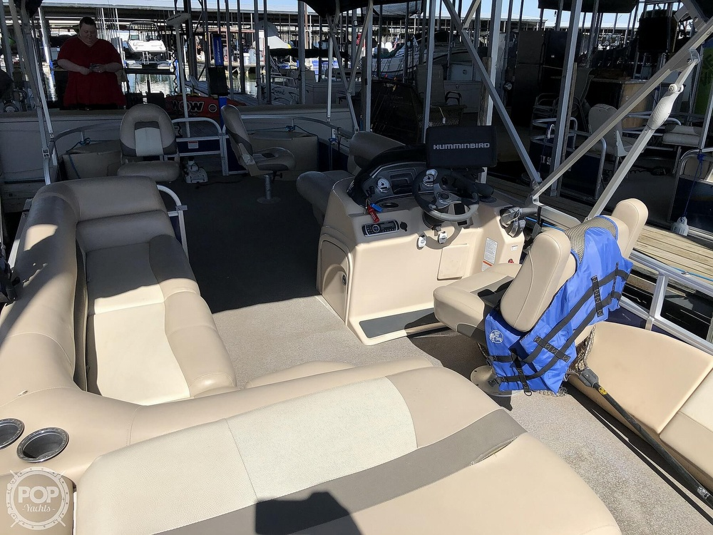 2016 Sun Tracker boat for sale, model of the boat is Fishin' Barge 24 XP3 & Image # 32 of 40