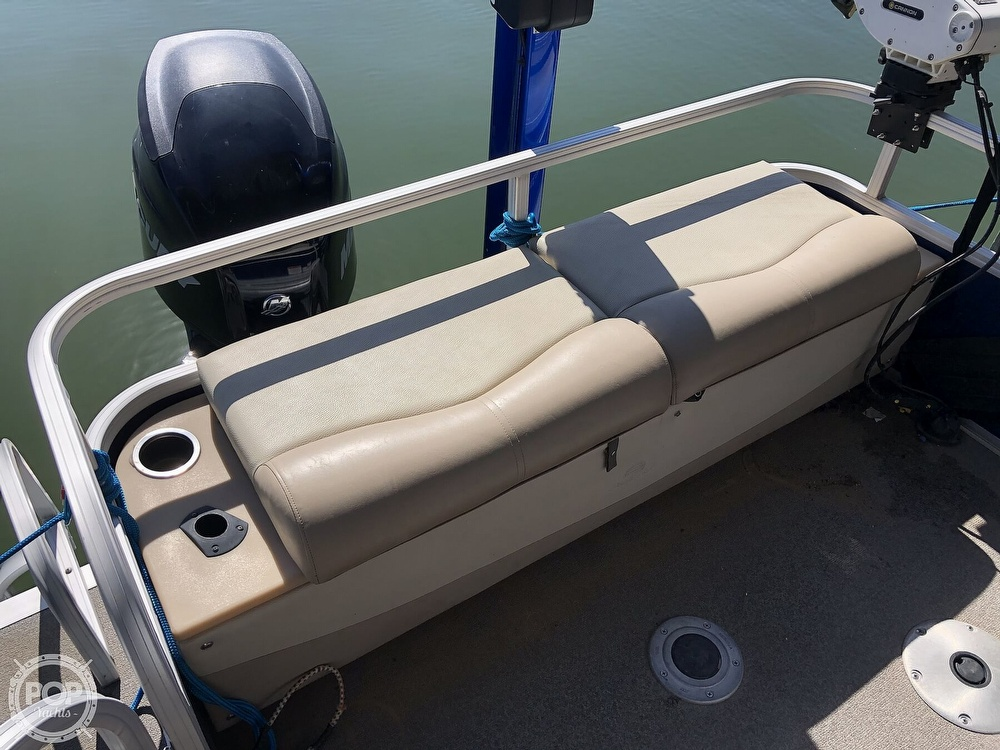 2016 Sun Tracker boat for sale, model of the boat is Fishin' Barge 24 XP3 & Image # 38 of 40