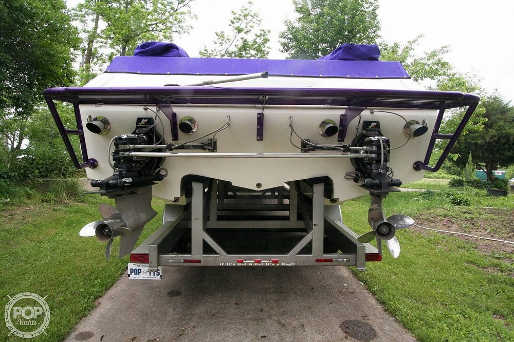 2002 Awesome boat for sale, model of the boat is 3800 Signature & Image # 7 of 40