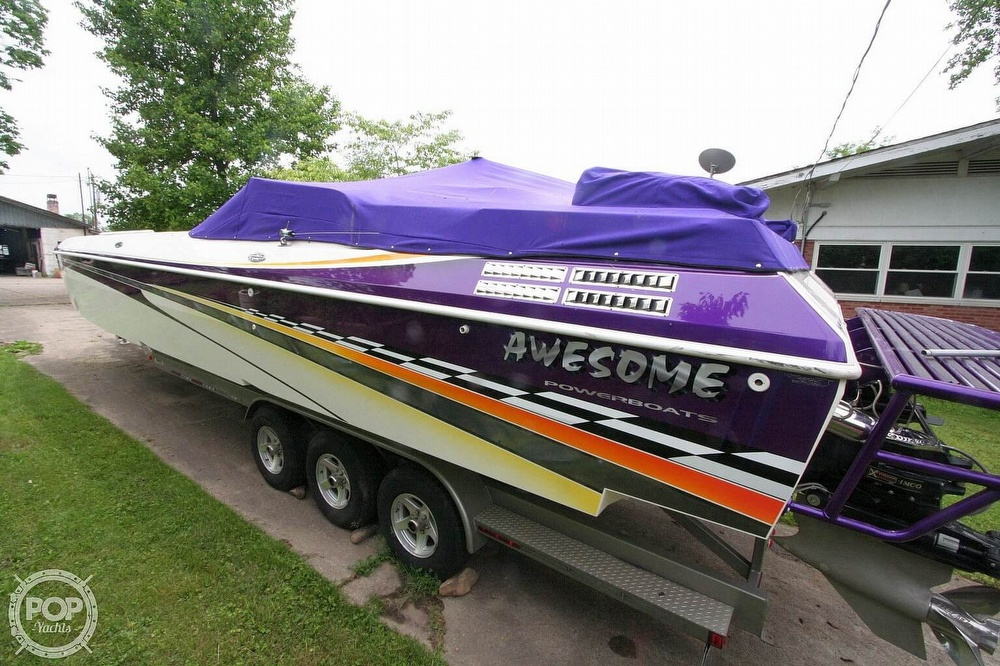 2002 Awesome boat for sale, model of the boat is 3800 Signature & Image # 10 of 40
