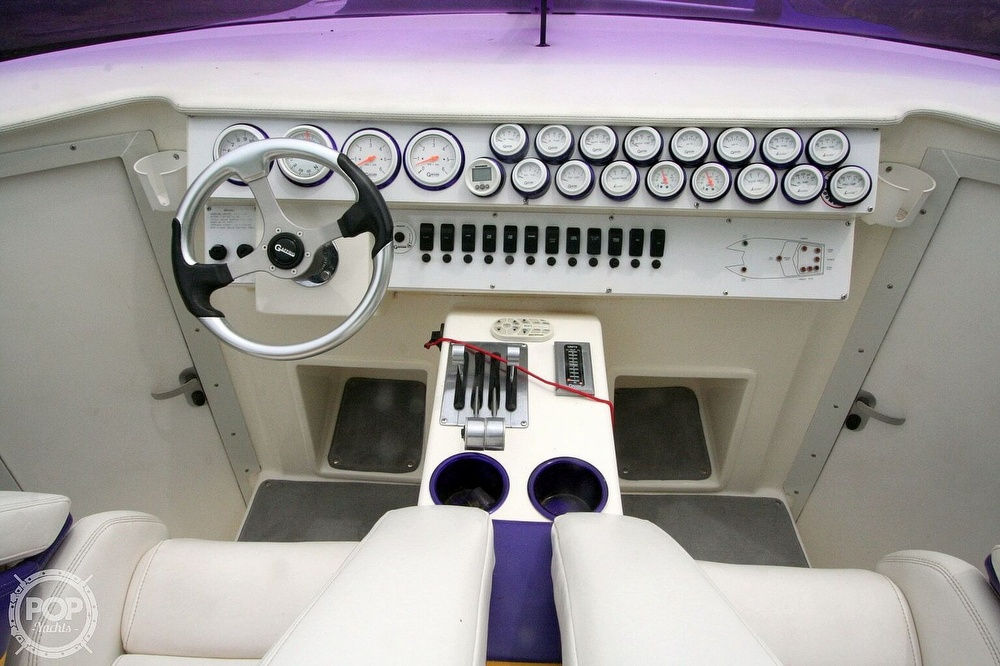2002 Awesome boat for sale, model of the boat is 3800 Signature & Image # 5 of 40