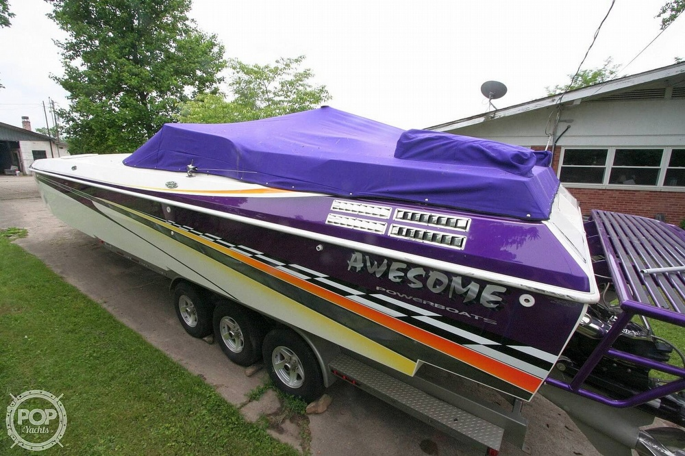 2002 Awesome boat for sale, model of the boat is 3800 Signature & Image # 15 of 40