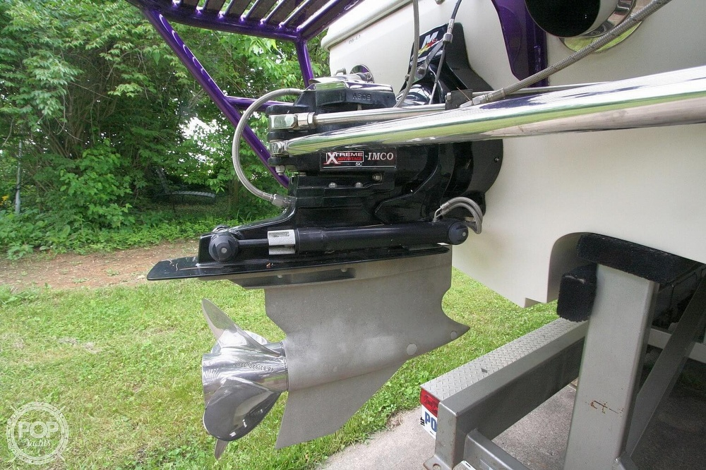 2002 Awesome boat for sale, model of the boat is 3800 Signature & Image # 27 of 40
