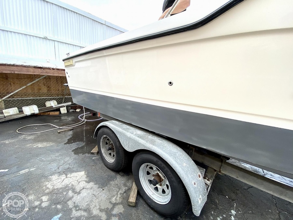 1992 Trophy boat for sale, model of the boat is 23 Walk-Around & Image # 26 of 40