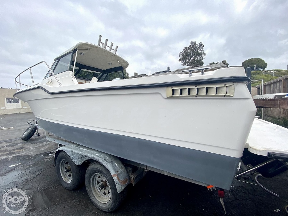 1992 Trophy boat for sale, model of the boat is 23 Walk-Around & Image # 23 of 40