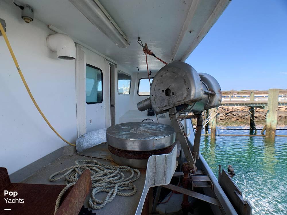 2001 Novi boat for sale, model of the boat is Gillnetter & Image # 10 of 40