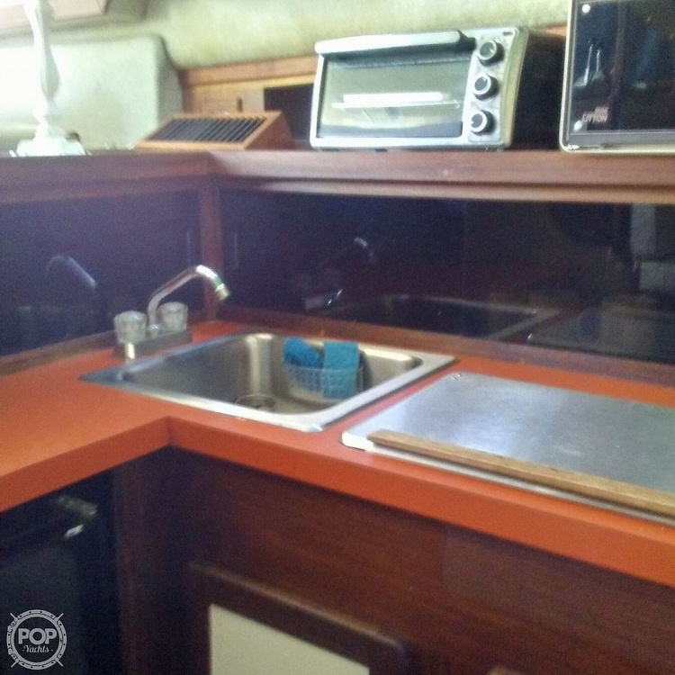 1984 Silverton boat for sale, model of the boat is 34' Convertible & Image # 7 of 40