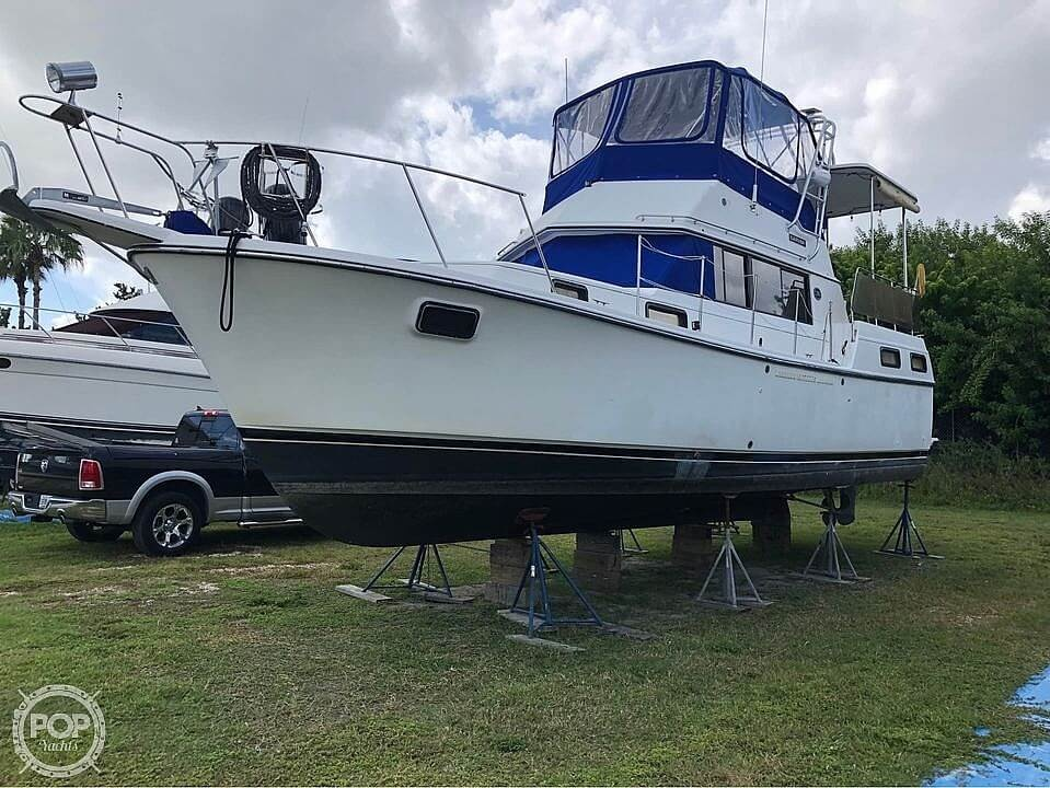 1990 Carver boat for sale, model of the boat is 3607 Aft Cabin & Image # 3 of 40