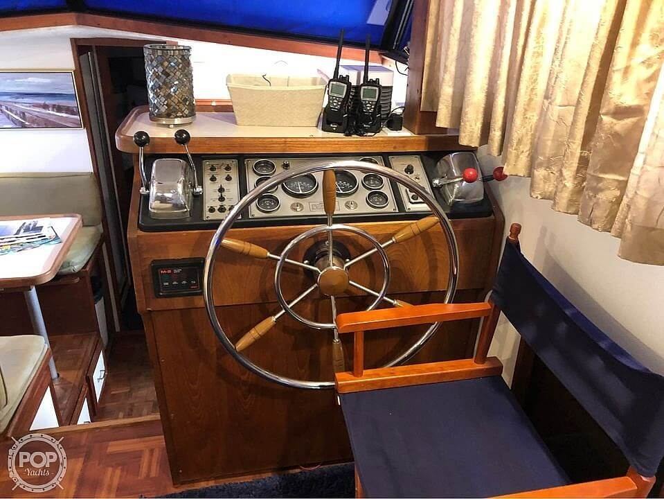 1990 Carver boat for sale, model of the boat is 3607 Aft Cabin & Image # 6 of 40