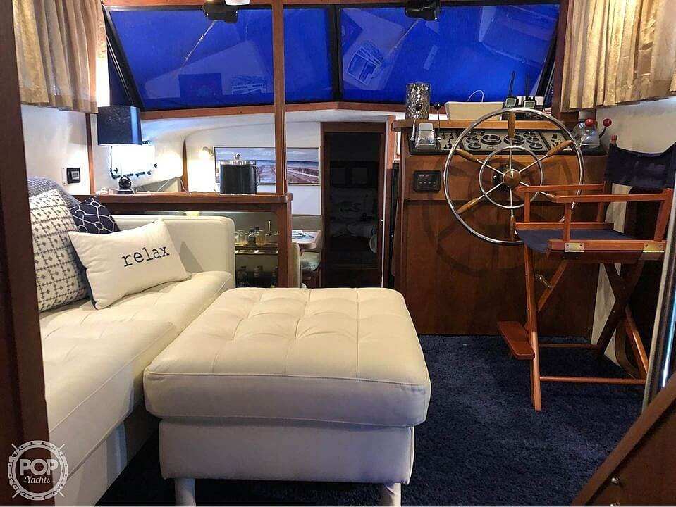 1990 Carver boat for sale, model of the boat is 3607 Aft Cabin & Image # 5 of 40