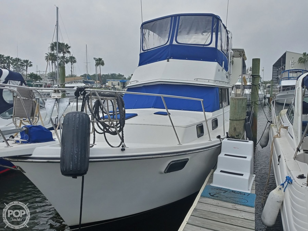 1990 Carver boat for sale, model of the boat is 3607 Aft Cabin & Image # 11 of 40