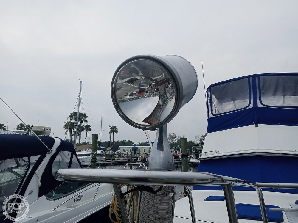 1990 Carver boat for sale, model of the boat is 3607 Aft Cabin & Image # 13 of 40