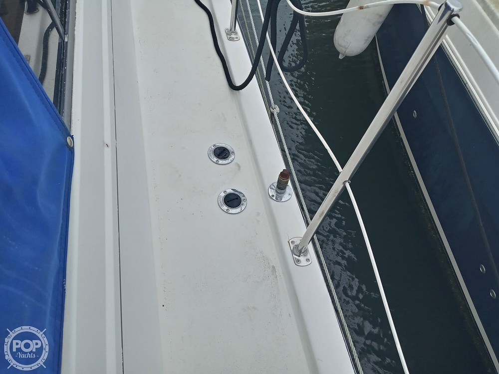 1990 Carver boat for sale, model of the boat is 3607 Aft Cabin & Image # 25 of 40