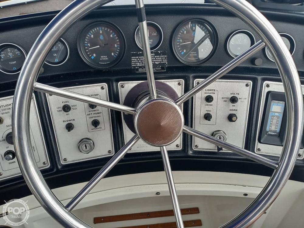 1990 Carver boat for sale, model of the boat is 3607 Aft Cabin & Image # 39 of 40