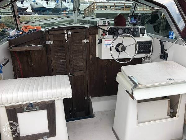 1988 Hinterhoeller boat for sale, model of the boat is Limestone 24 Express Cruiser & Image # 3 of 40