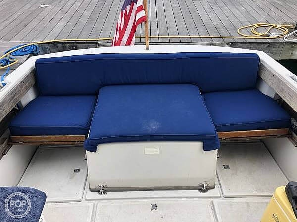 1988 Hinterhoeller boat for sale, model of the boat is Limestone 24 Express Cruiser & Image # 18 of 40