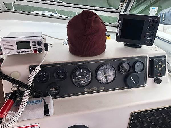 1988 Hinterhoeller boat for sale, model of the boat is Limestone 24 Express Cruiser & Image # 7 of 40