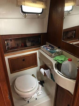1988 Hinterhoeller boat for sale, model of the boat is Limestone 24 Express Cruiser & Image # 12 of 40