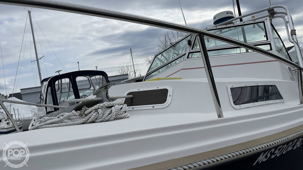 1988 Hinterhoeller boat for sale, model of the boat is Limestone 24 Express Cruiser & Image # 33 of 40