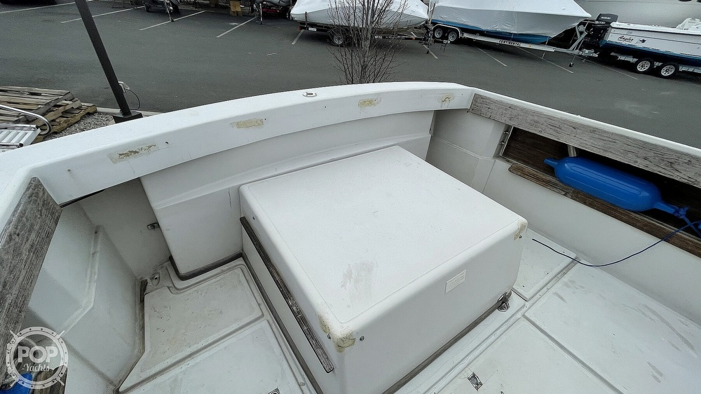 1988 Hinterhoeller boat for sale, model of the boat is Limestone 24 Express Cruiser & Image # 39 of 40