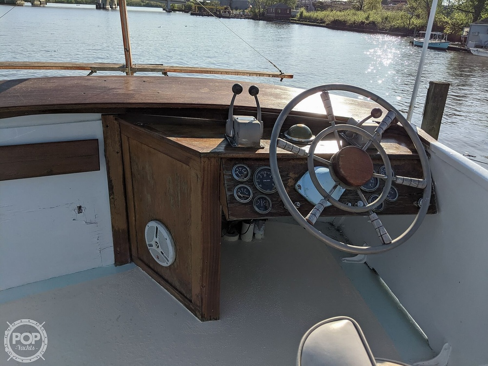 1963 Egg Harbor boat for sale, model of the boat is Flybridge Express & Image # 9 of 40