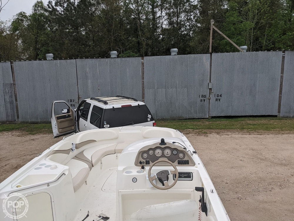 2004 Glastron boat for sale, model of the boat is DX 210 & Image # 5 of 10