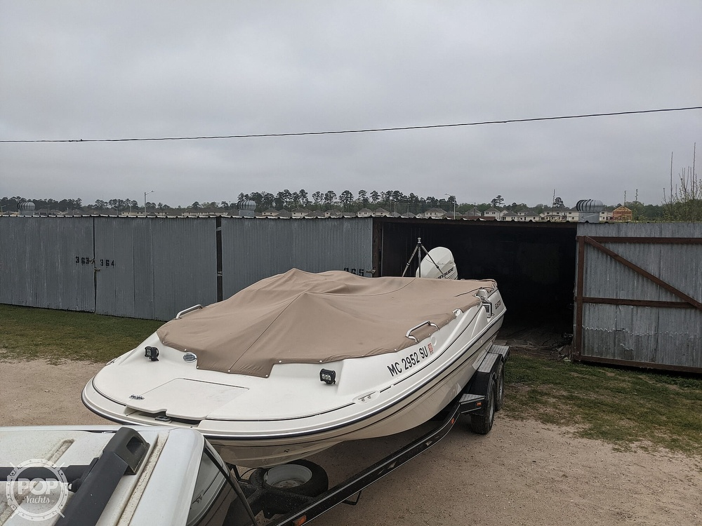 2004 Glastron boat for sale, model of the boat is DX 210 & Image # 9 of 10