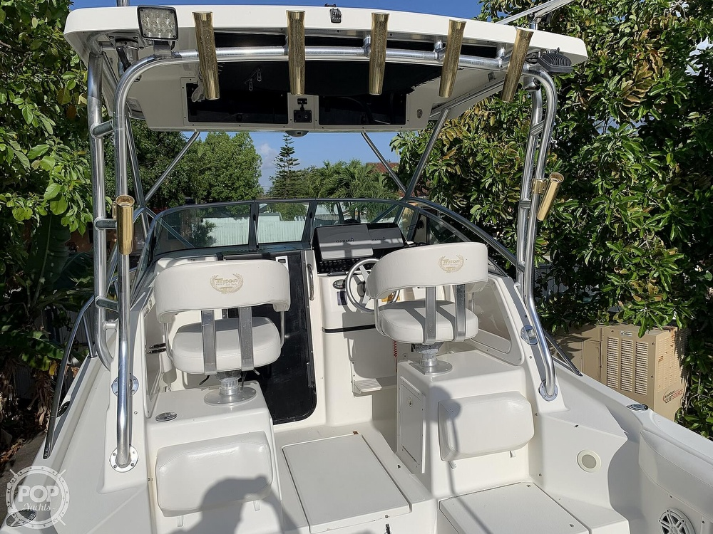 2004 Triton boat for sale, model of the boat is 2690 & Image # 4 of 40
