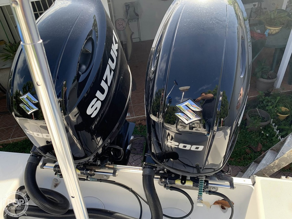 2004 Triton boat for sale, model of the boat is 2690 & Image # 2 of 40