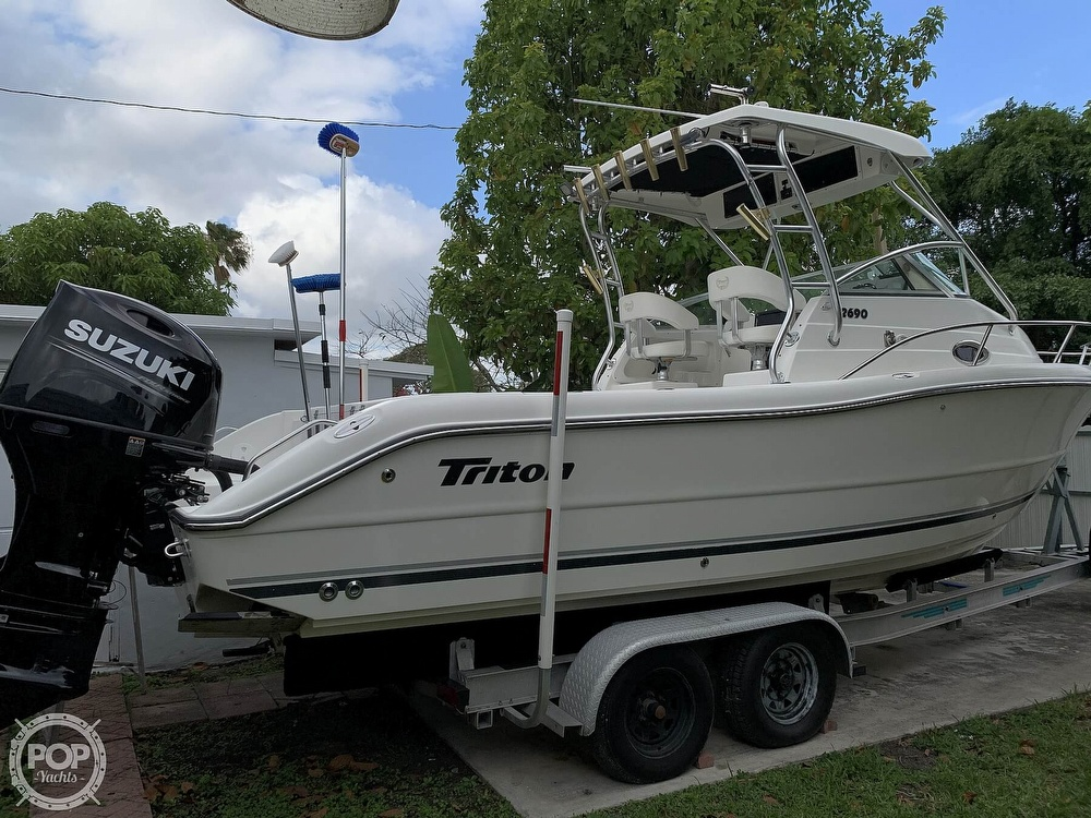 2004 Triton boat for sale, model of the boat is 2690 & Image # 27 of 40