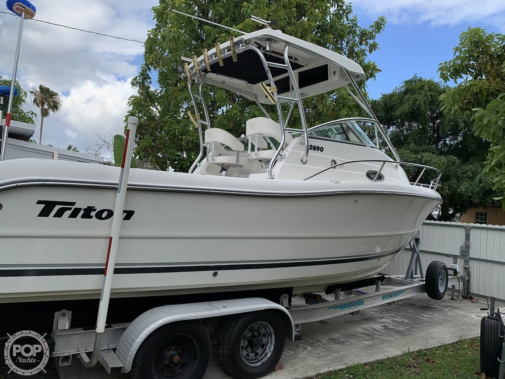 2004 Triton boat for sale, model of the boat is 2690 & Image # 15 of 40