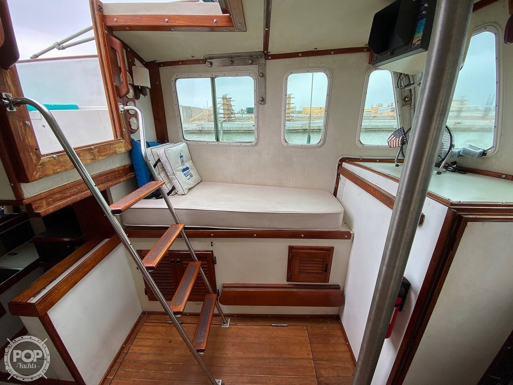 1976 Fales boat for sale, model of the boat is Navigator 38T & Image # 14 of 40