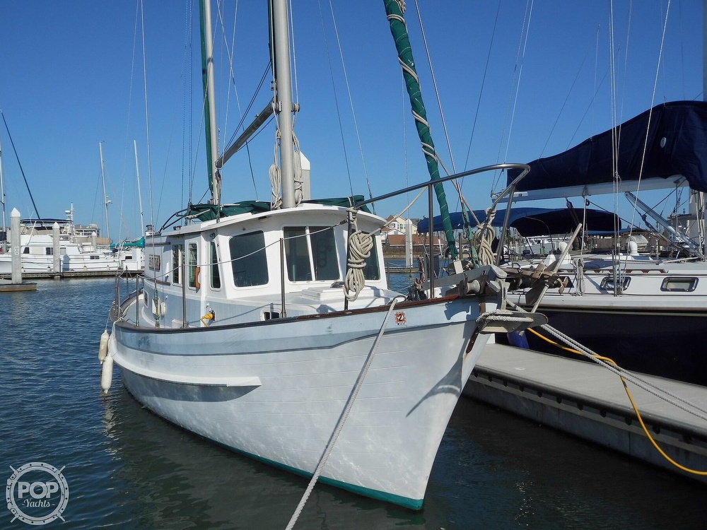 1976 Fales boat for sale, model of the boat is Navigator 38T & Image # 19 of 40